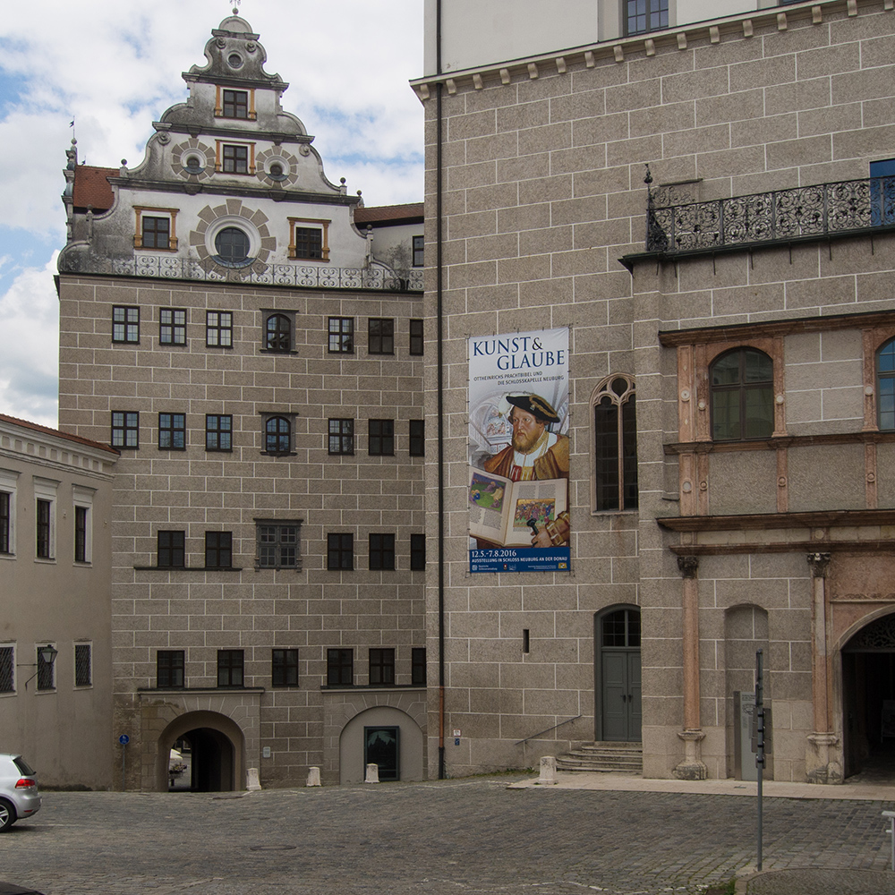 Schloss Neuburg an der Donau, Bauteile aus der Zeit Ottheinrichs von der Pfalz (1530er Jahre), mit späteren Veränderungen